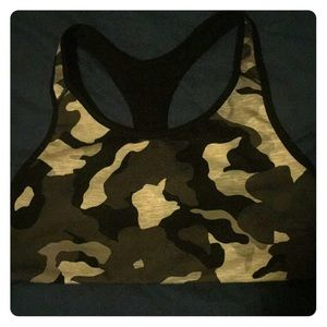 NWOT Old Navy black and gray camo sports bra